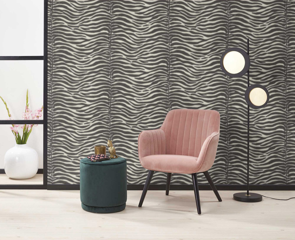 5-Kwantum-behang-dierenprint-tijgerprint-zebraprint-luipaardprint-panterprint-behang-lamp-kleed-interieur-trend
