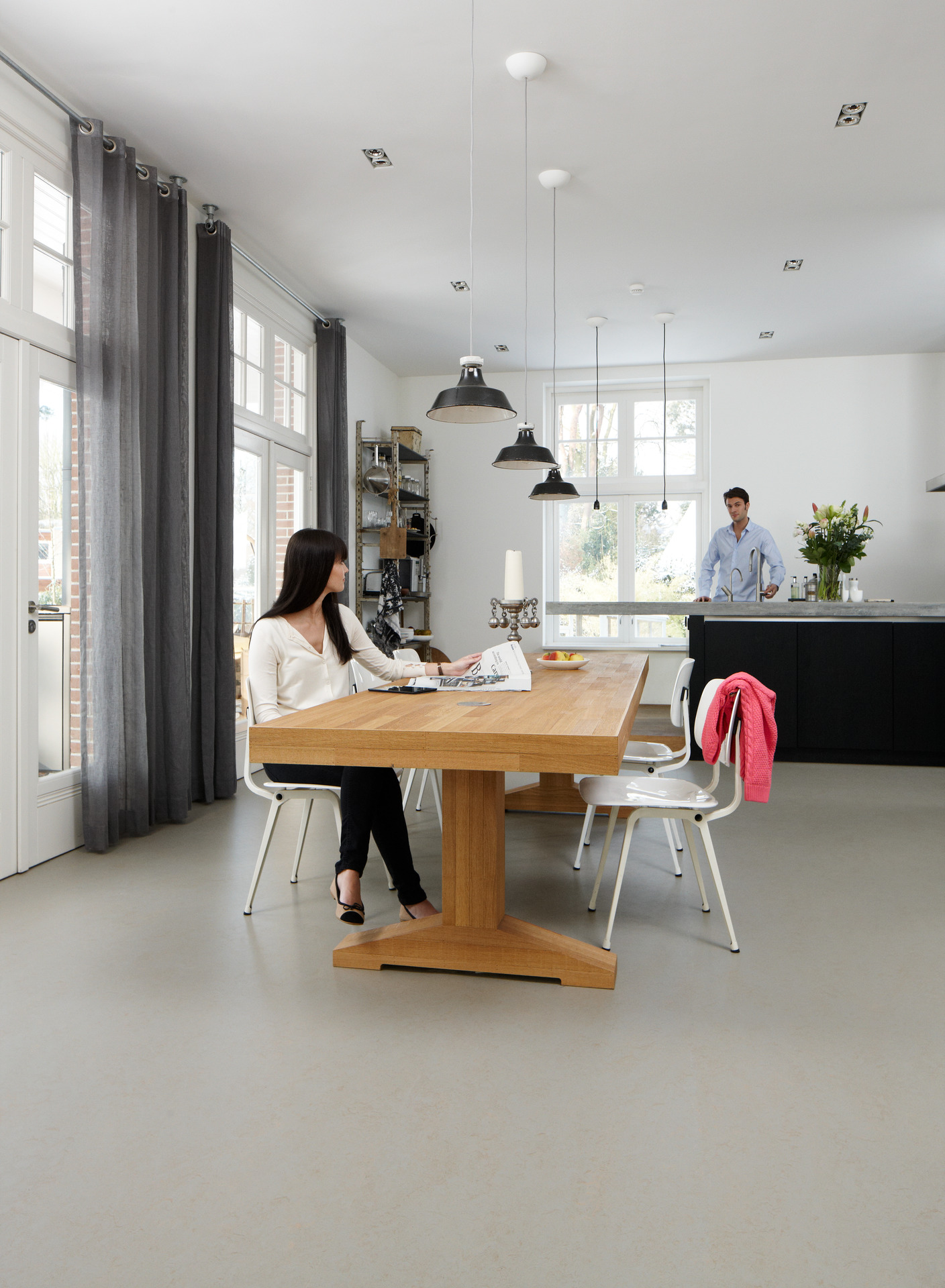 Medium-Marmoleum_At_Home_2013_Diningroom_People.jpg