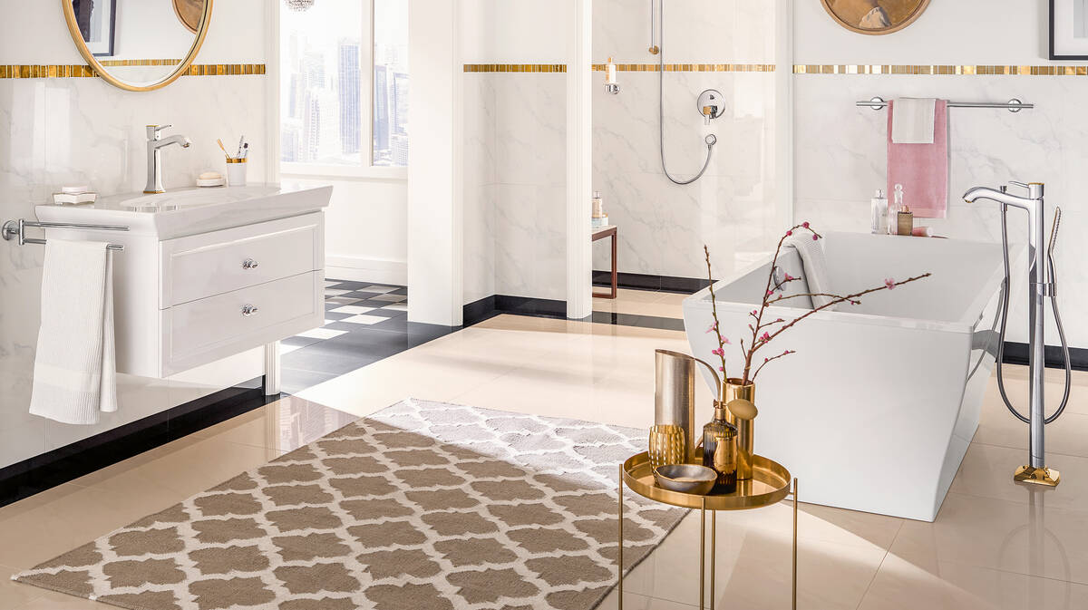 collecties/534115/Wonennl_Hansgrohe_metropol-classic-bathroom-bathtub-decoration_ambiance_16x9.jpg