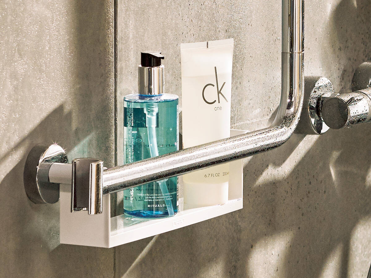 collecties/534115/Wonennl_Hansgrohe_unica-e-shower-tablett-closeup_4x3.jpg