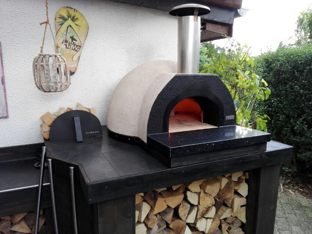 Amalfi_AD70_pizza_oven_in_buitenkeuken_web_2.jpeg