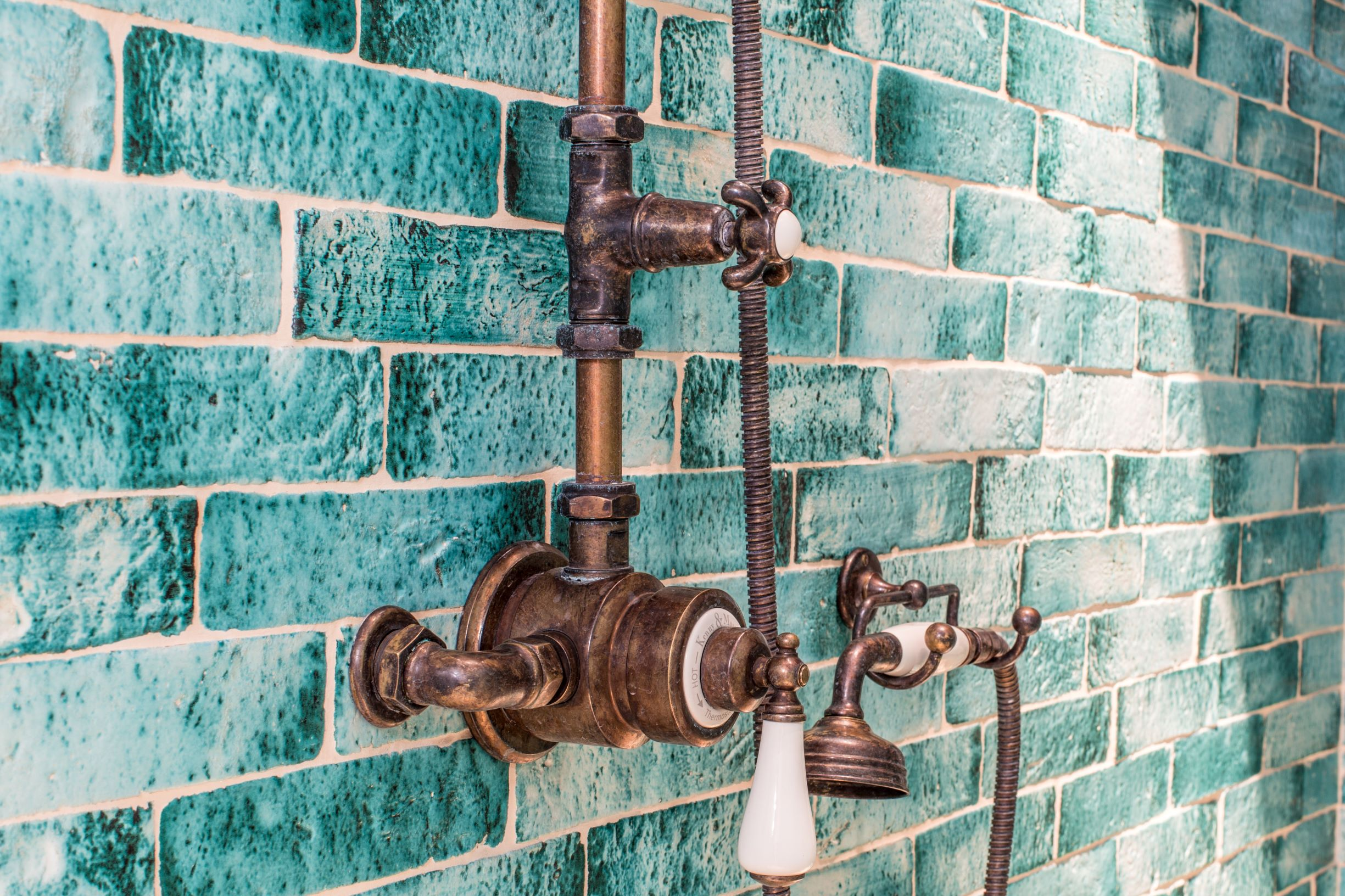 KMbadkamerkranen/Kenny_amp_Mason_DISCOVERY_Thermostatic_shower_-_detail_1.jpg