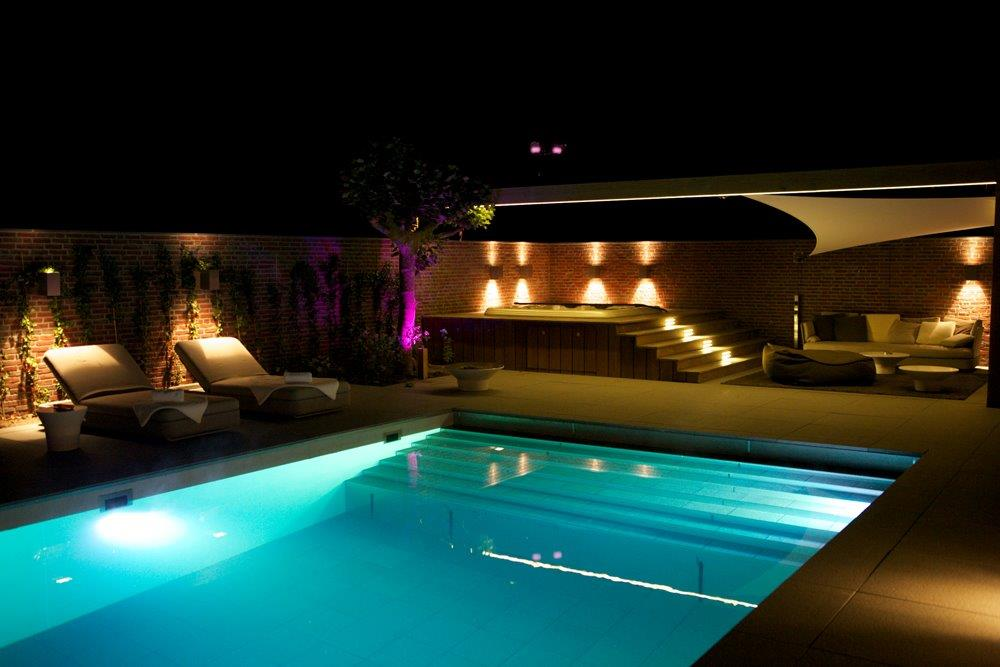 eva-optic-pool-lights-residential-2.jpg