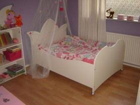 Kinderbed kroon