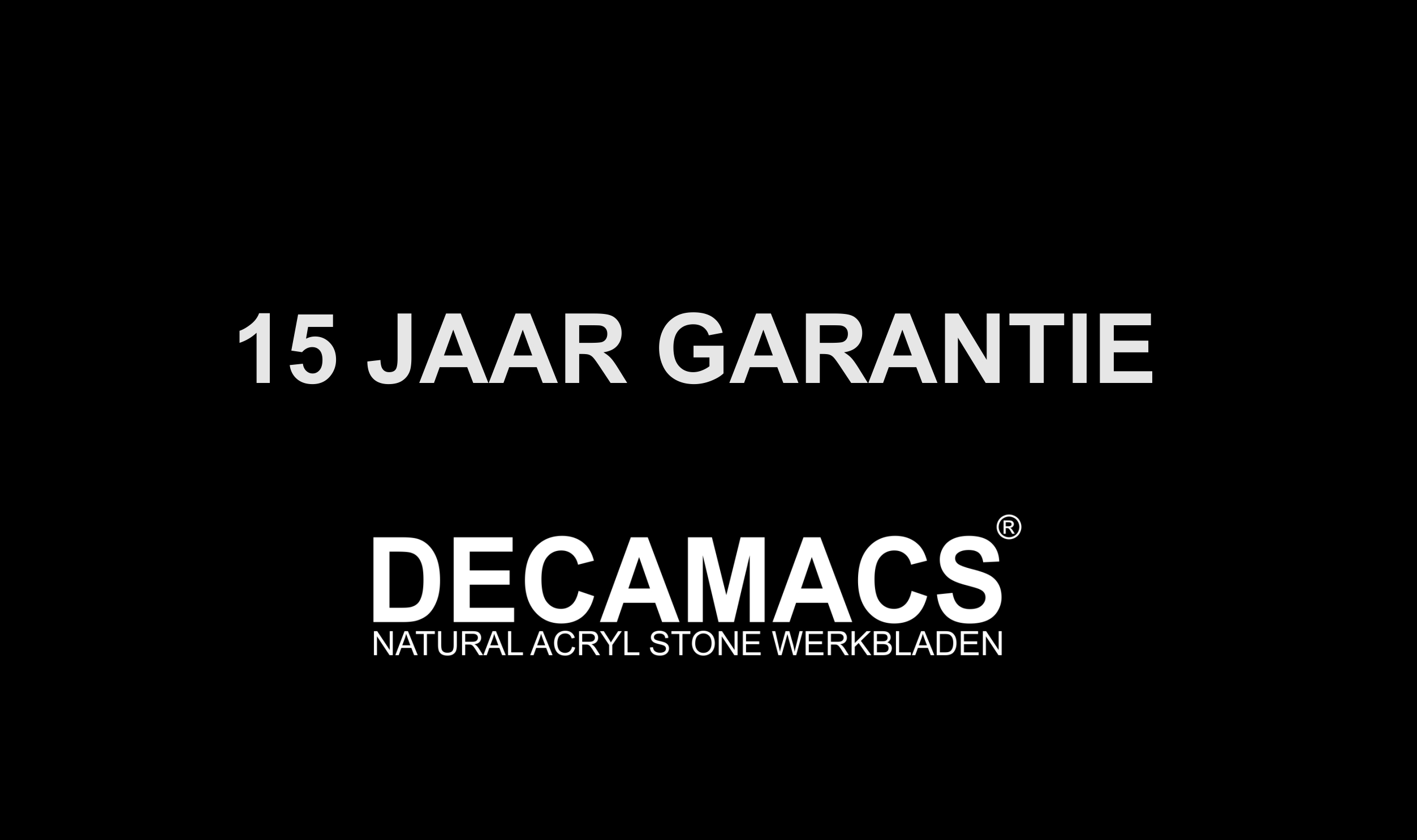 Het logo van Decamacs Solid Surface Design